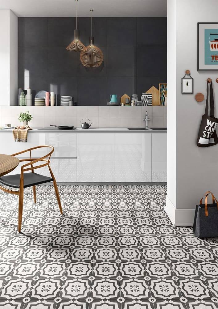Küchengestaltung - hochwertige Bodenfliesen & Wandfliesen ...